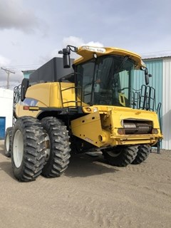 Combine For Sale 2009 New Holland CR9070