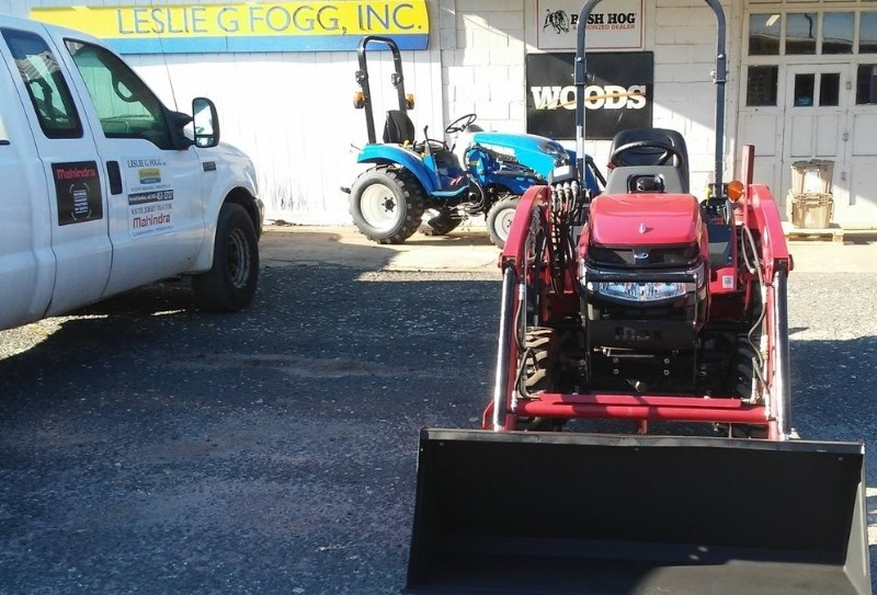 2014 Mahindra MAX26XL Tractor - Compact For Sale