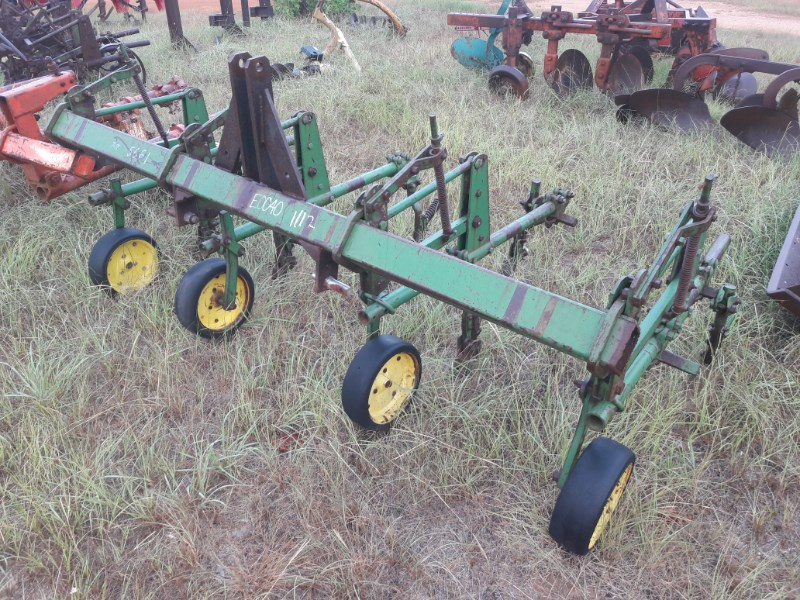 1972 John Deere RG4 Row Crop Cultivator For Sale