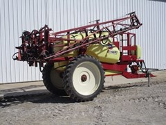 Sprayer-Pull Type For Sale 2005 Hardi CM750