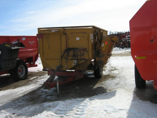 Knight 3030 Feeder Wagon-Portable For Sale