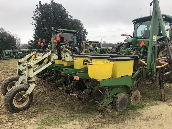 2001 John Deere 1700 Planter For Sale