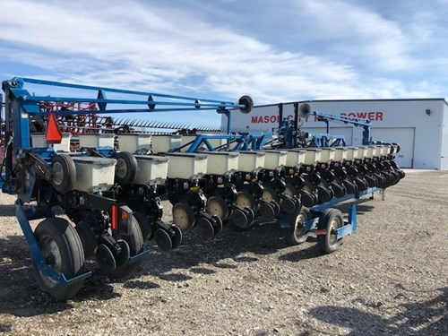 Planter For Sale:  2005 Kinze 3600