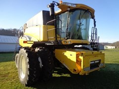 Combine For Sale 2006 New Holland CR960 , 330 HP