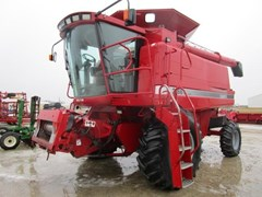 Combine For Sale 1996 Case IH 2166 , 215 HP