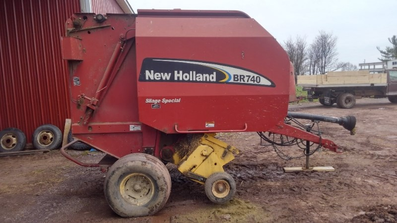 2007 New Holland BR740 Baler-Round For Sale