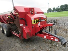 Manure Spreader-Dry/Pull Type For Sale 2011 H & S TS5120