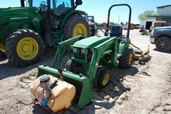 Tractor For Sale 2004 John Deere 2210 , 22 HP