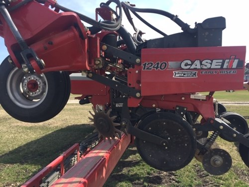 Planter For Sale:  2013 Case IH 1240