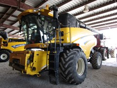Combine For Sale 2008 New Holland CR9040