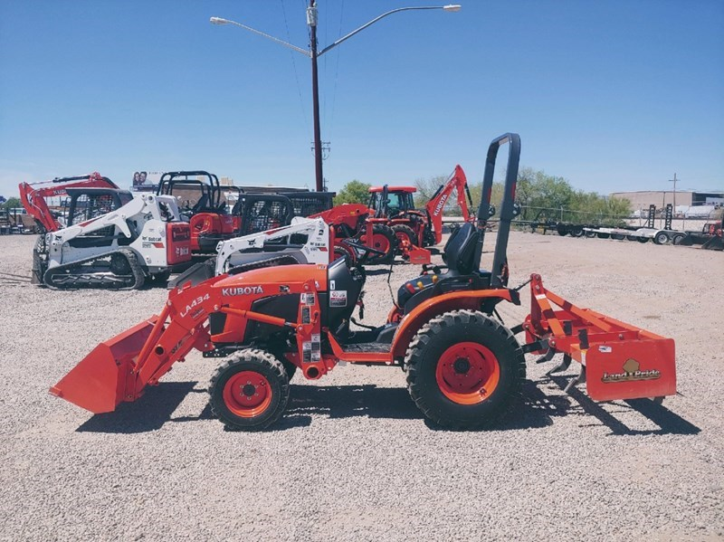 Kubota B2601HSD Tractor
