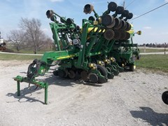 Planter For Sale 2006 John Deere 1790 CCS Seed Delivery