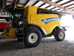 Combine For Sale 2018 New Holland CR6.90