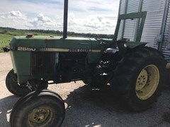 Tractor - Utility For Sale 1986 John Deere 2550 , 65 HP