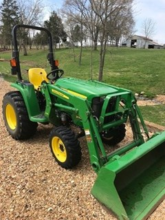 Tractor For Sale 2015 John Deere 3032E , 31 HP