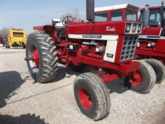 Tractor For Sale 1975 International 1566 , 178 HP