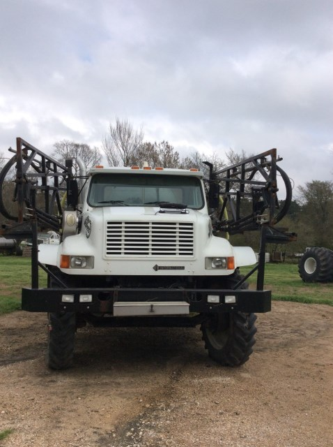 2000 International  Sprayer-Self Propelled For Sale