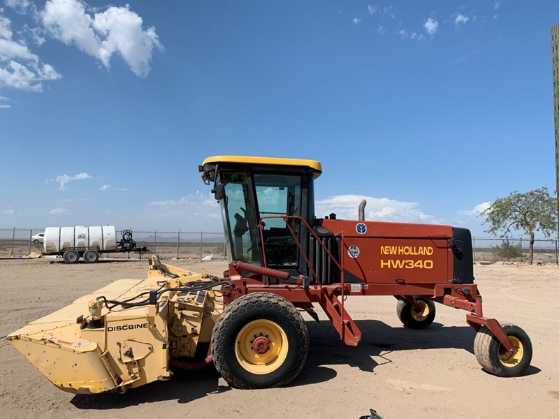 2001 New Holland HW340 Windrower-Self Propelled For Sale