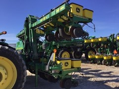Planter For Sale 2002 John Deere 1720