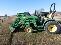 Tractor For Sale 2007 John Deere 3320 , 32 HP