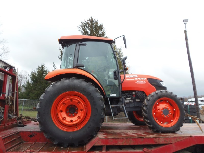 2015 Kubota M7060HDC12 Tractor For Sale