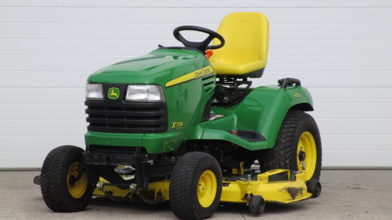2010 John Deere 724 Riding Mower For Sale