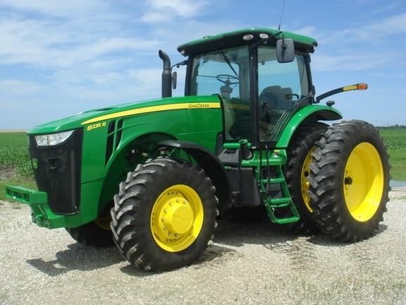 2011 John Deere 8235R Tractor For Sale
