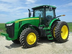 Tractor For Sale 2011 John Deere 8235R , 235 HP