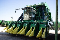 Cotton Picker For Sale 2016 John Deere CP690
