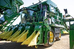 Cotton Picker For Sale 2015 John Deere CP690