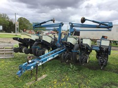 Planter For Sale 1996 Kinze 2200