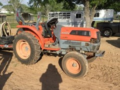 Tractor For Sale 2004 Kubota L3130 , 31 HP