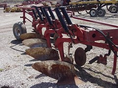 Plow-Moldboard For Sale Case IH 720