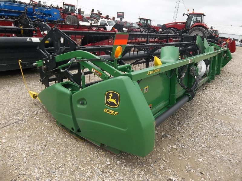 2015 John Deere 625F 25' Header-Auger/Flex For Sale