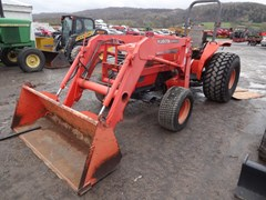 Tractor For Sale 2001 Kubota M4900 , 54 HP