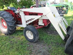 Tractor For Sale 1972 International 444