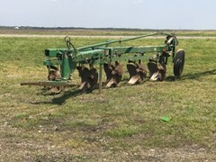 Plow-Moldboard For Sale John Deere 1450