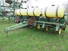 Planter For Sale 1989 John Deere 7200