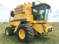 Combine For Sale 2002 New Holland TR89