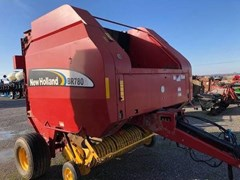 Baler-Round For Sale 2006 New Holland BR7080