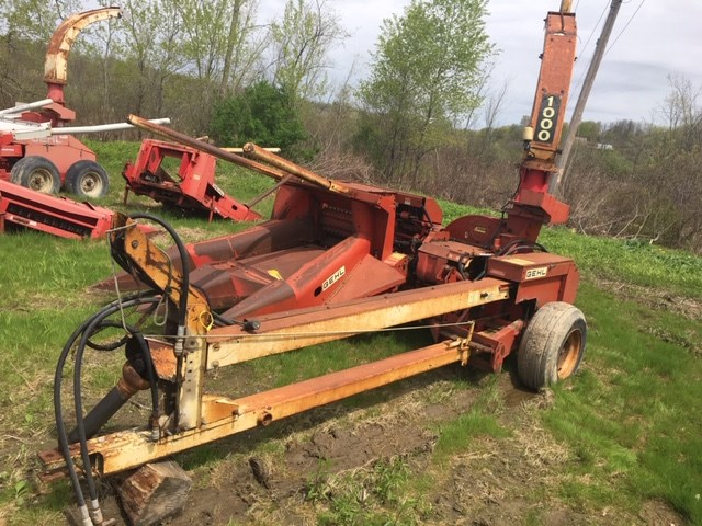 Gehl CB1000 Forage Harvester-Pull Type For Sale