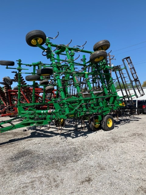 2008 John Deere 2210L Field Cultivator For Sale