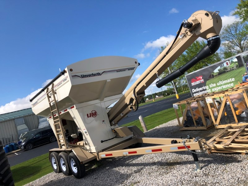 2019 Unverferth 3755 Seed Tender For Sale