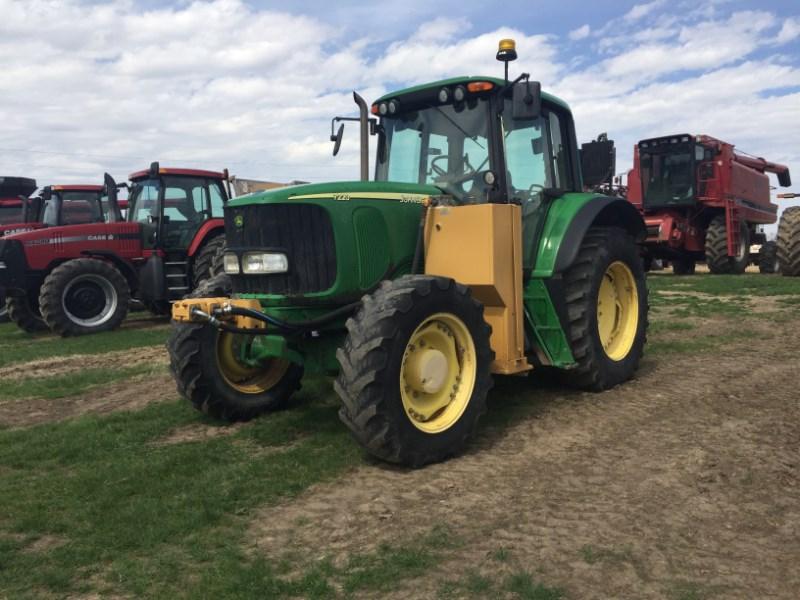 John Deere 7220 Tractor For Sale