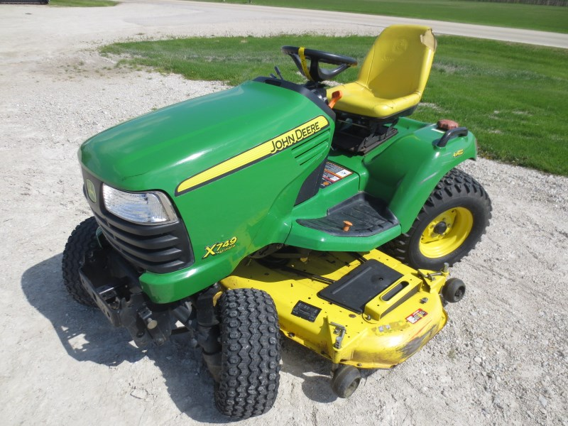 2009 John Deere X749 Riding Mower For Sale