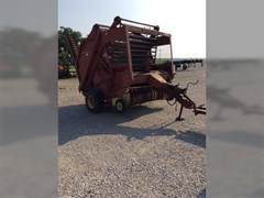 Baler-Round For Sale New Holland 851