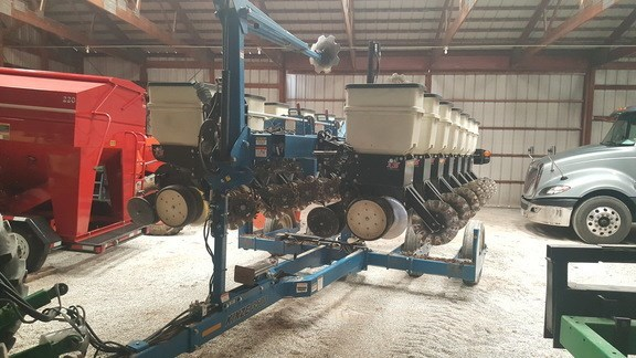 Photos of 2010 Kinze 3500 Planter For Sale » Wm Nobbe & Co