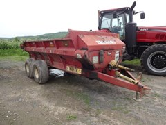 Manure Spreader-Dry/Pull Type For Sale Meyer 7400