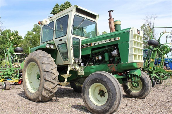1968 Oliver 1750 Tractor For Sale
