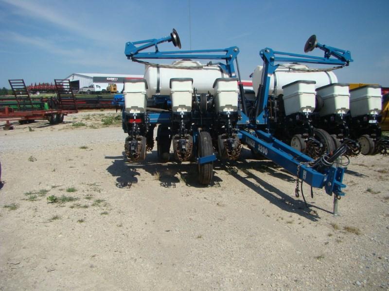 Kinze 3200 Planter For Sale